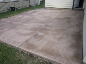 18'x23' concrete patio in 'Pecan'